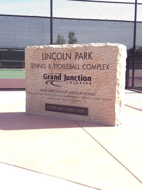 custom designed stone sign for Lincoln Park in Grand Junction Colorado