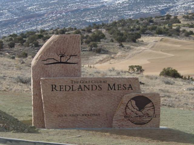 custom engraved stone signs for Redlands Mesa in Grand Junction CO