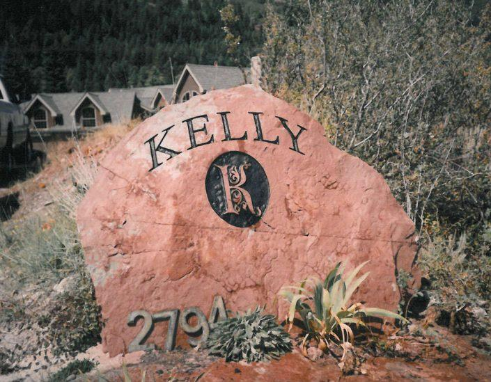 custom engraved boulder headstone for the Kelly family