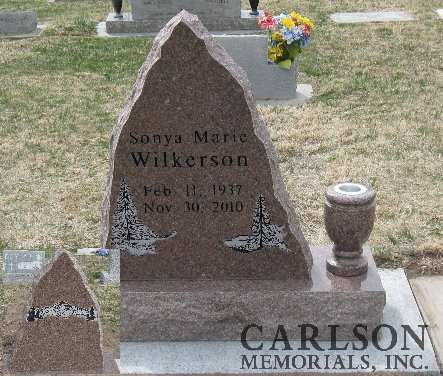 TS013: Colonial Rose Custom Designed Tablet Headstone for the Wilkerson family